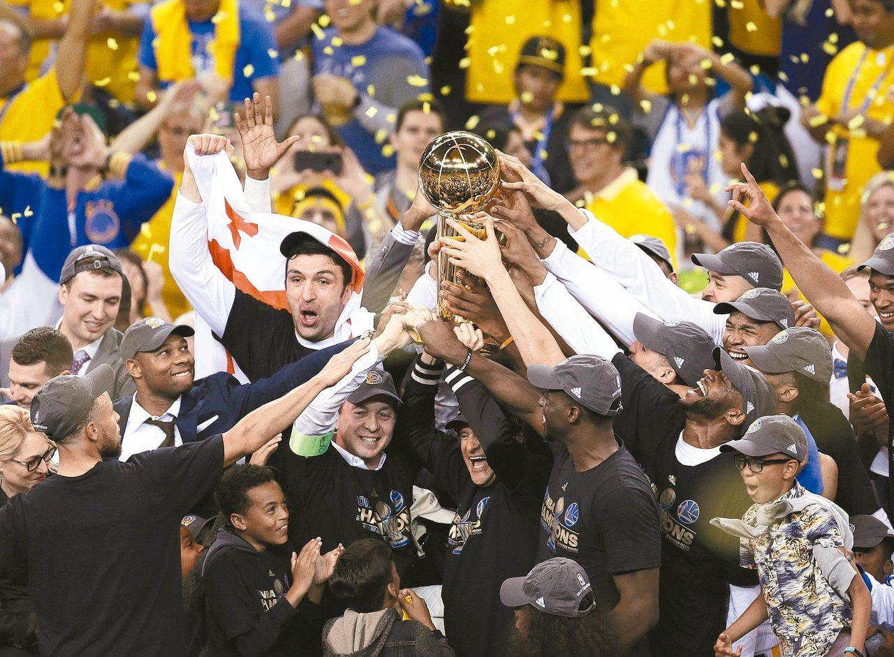 勇士在NBA總冠軍賽封王。 美聯社