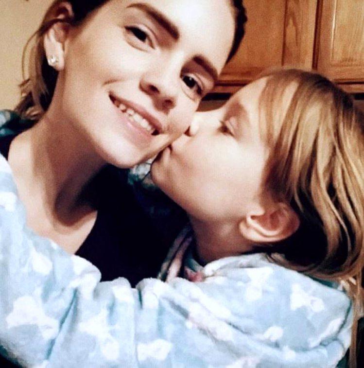 Kari已經是位媽媽。圖/擷自twitter