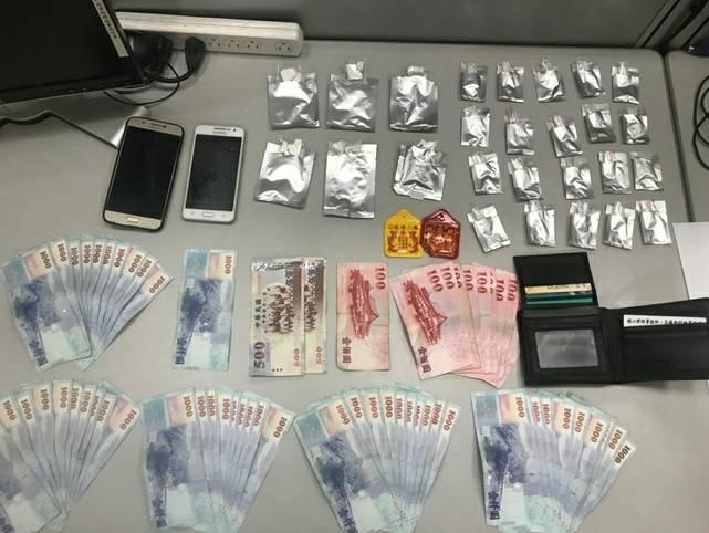 畢業1年的心血警察抓到老藥頭,查獲大批毒品。記者蕭雅娟/翻攝