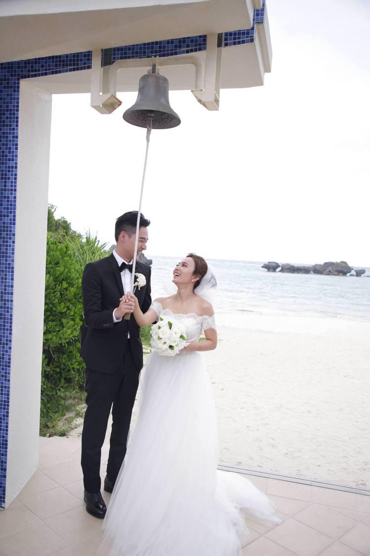 千田愛紗與周洺甫在沖繩舉辦婚禮。圖/蘇菲雅婚紗提供