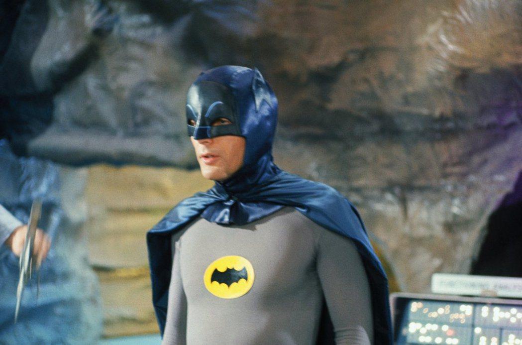 亞當韋斯特的「蝙蝠俠」影集,是不少美國觀眾眼中的經典。圖/摘自imdb