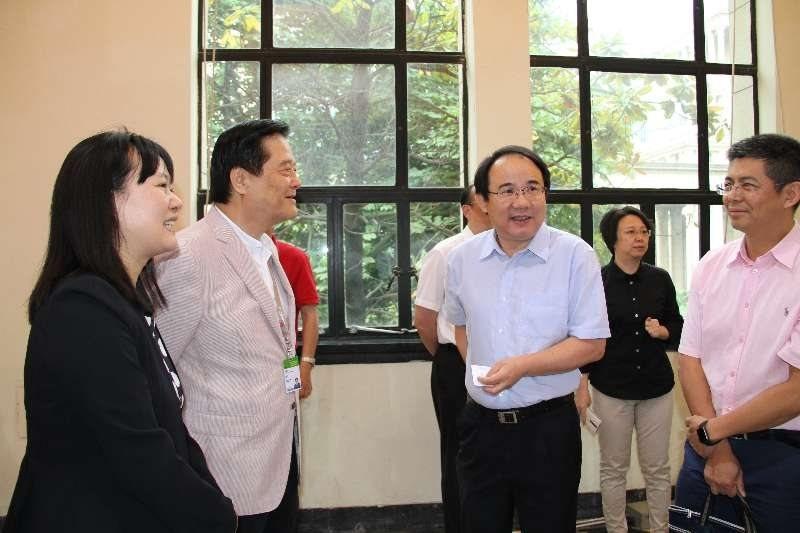 中華節目內容製作產業發展協會理事長汪威江(左2)中國國家出版廣電總局電視劇司司長...