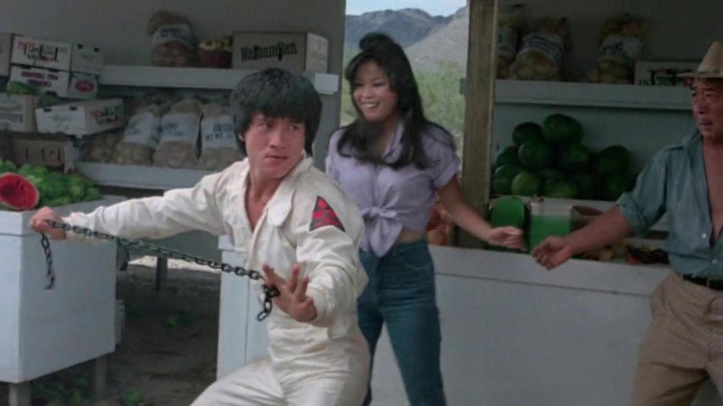 成龍在「炮彈飛車」續集「龍翻天」有更多的動作表現。圖/摘自imdb