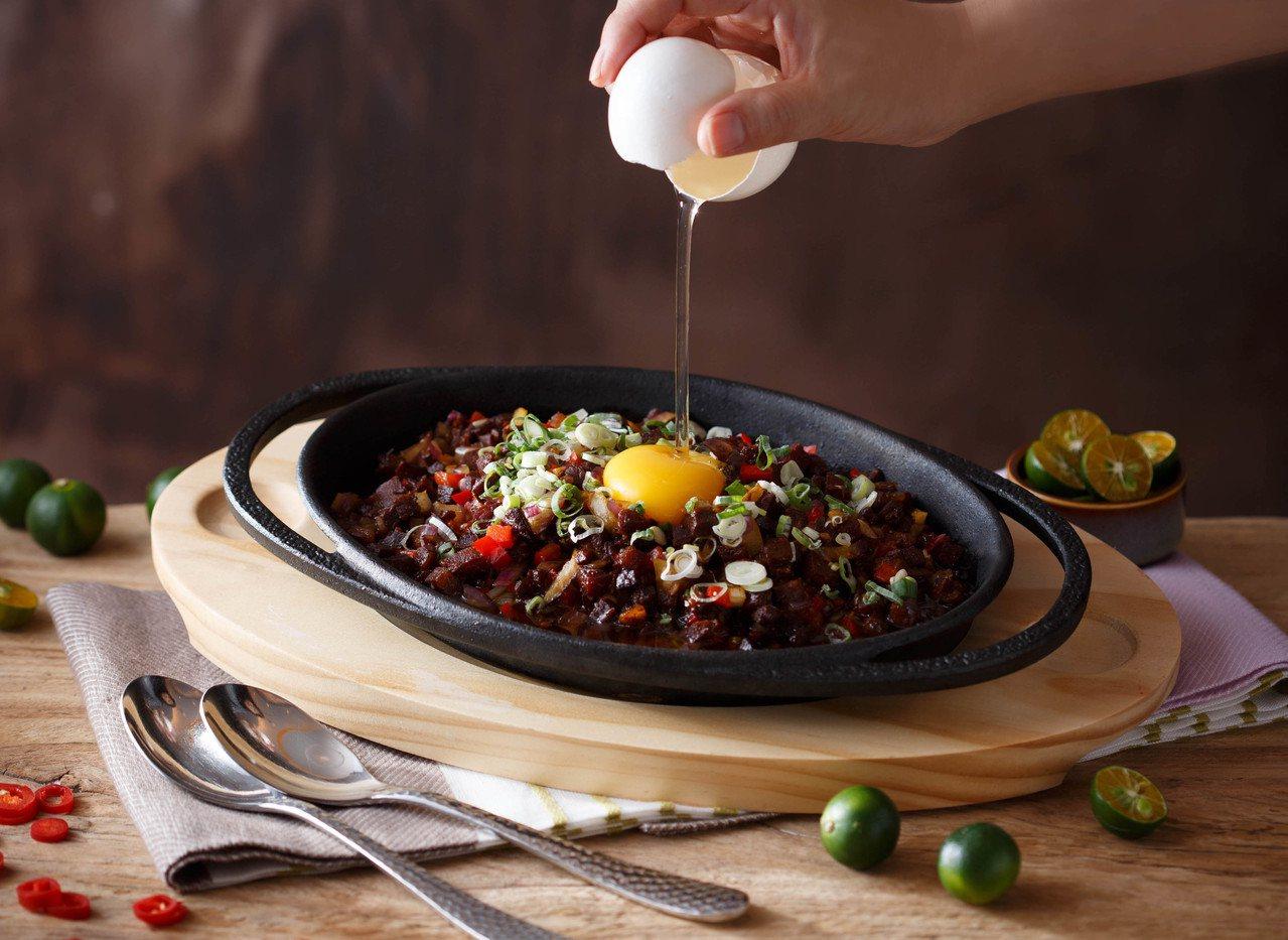 號稱新北市最高景觀餐廳Asia 49亞洲料理及酒廊,推出多道鐵板美饌。圖/Asi...