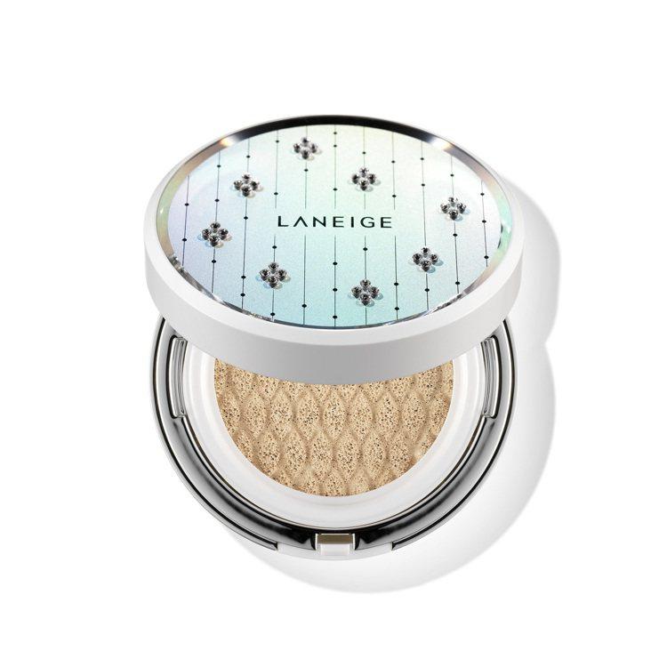 LANEIGE蘭芝水聚光淨白氣墊粉霜限定版外盒鑲嵌施華洛世奇水晶,售價1,580...