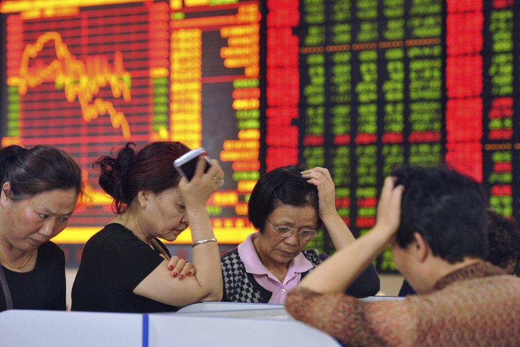 陸股今日走軟,造成台灣期交所的陸股ETF期貨今日表現相對弱勢。 聯合報系資料照