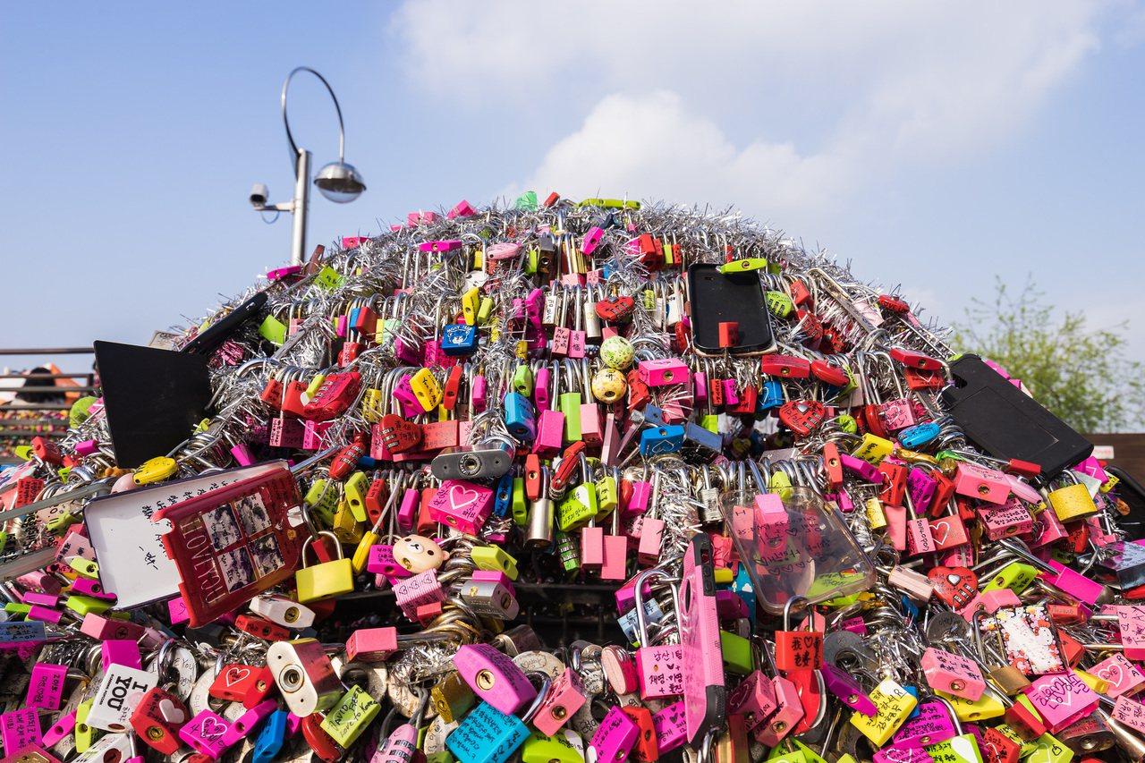 韓國首爾愛情鎖。圖/摘自 Wei-Te Wong Flickr