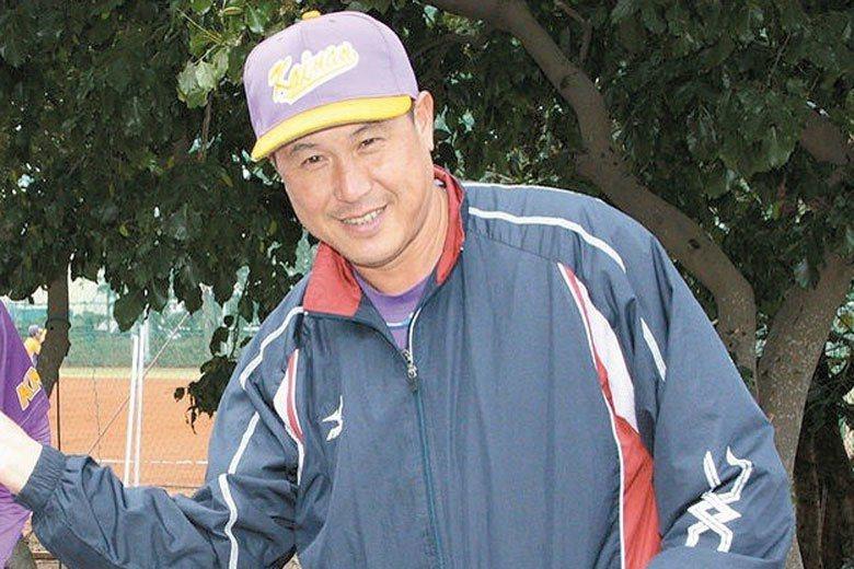 郭李建夫在1992年幫助中華隊拿下巴賽隆納奧運棒球銀牌,年底就加盟阪神虎隊,簽約...