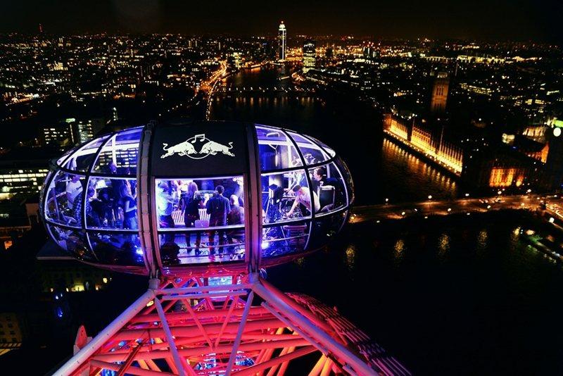 倫敦眼變成一個超大旋轉夜店。 (來源:http://www.redbullrev...