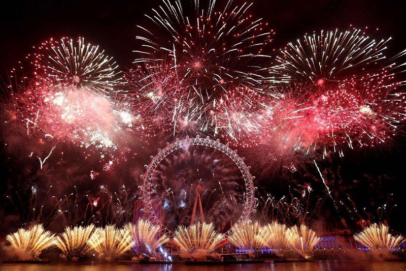 每年跨年倫敦眼會施放音樂煙火。 (來源:https://www.youtube....
