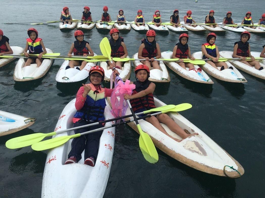 野柳國小將划獨木舟融入體育課程。圖/本報資料照片