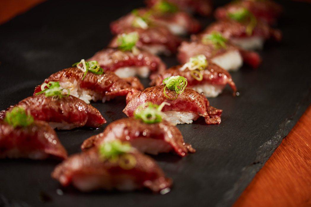 炙燒和牛握壽司。圖/美福提供
