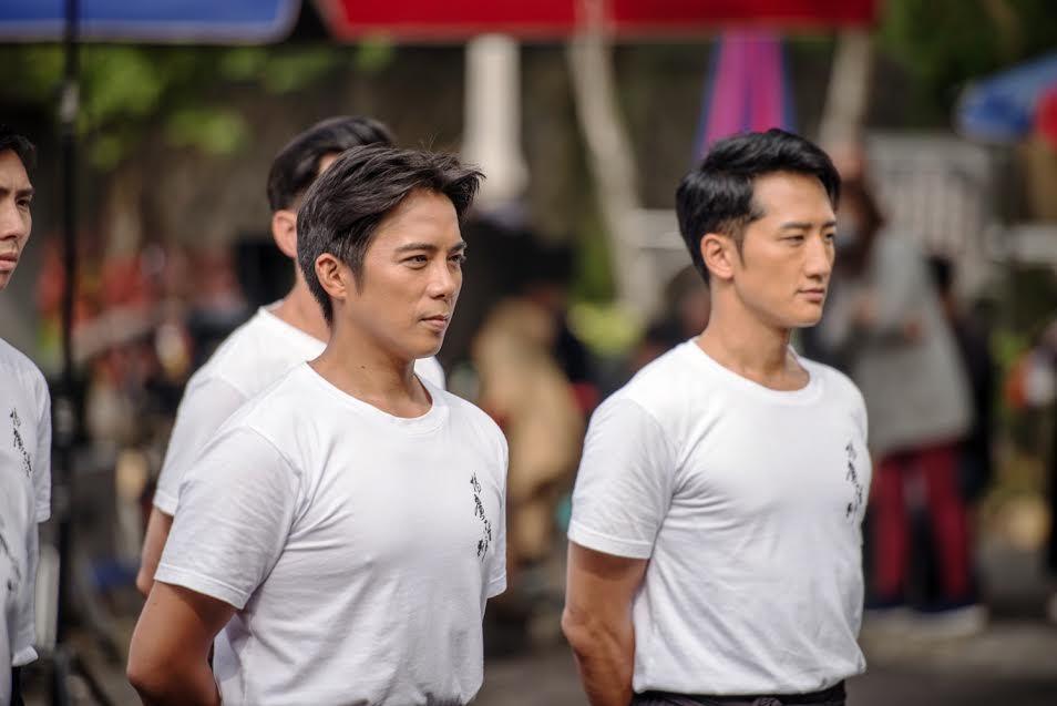 陳子強(左)與高英軒在「起鼓.出獅」中有許多對手戲。圖/公視提供
