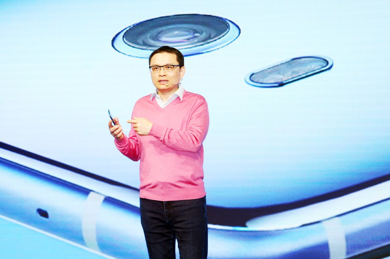 宏達電繼昨天宣布智慧手機及虛擬實境(VR)事業整合,旗下智慧手機暨穿戴裝置事業處...