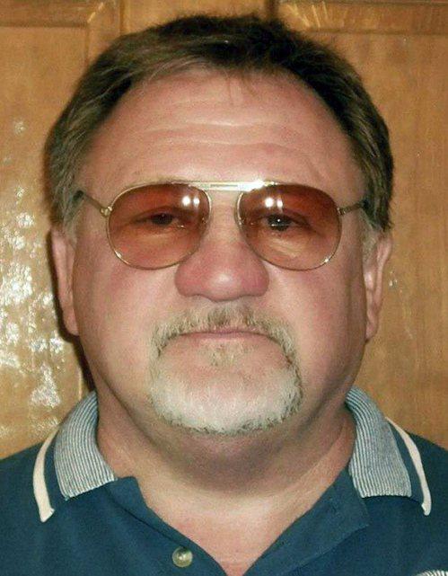 槍手為來自伊利諾州貝爾維爾的66歲男子哈吉金森。美聯社