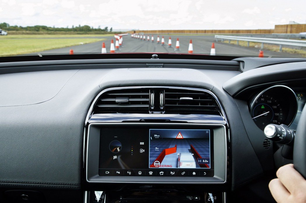 Jaguar Land Rover砸2500萬美元投資Lyft,也藉此開發互聯網...