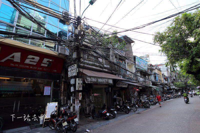 典型的越南街道電線。 攝影/賴勳毅