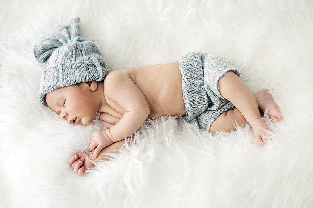 尿布黃黃臭臭,當心寶寶泌尿道可能受感染了。圖/Ingimage