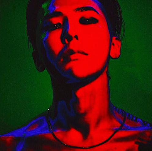 GD睽違4年推出新專輯「權志龍」,發行形式突破以往。圖/摘自Instagram
