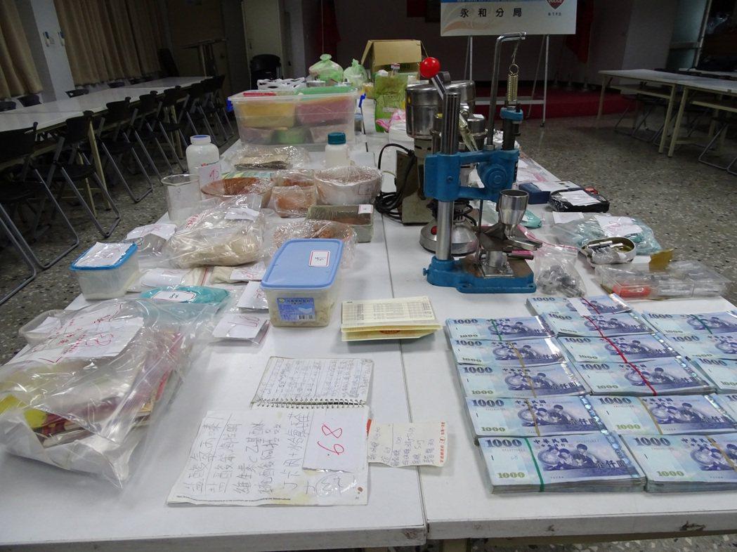 警方在劉的住處查獲大量毒品及製毒器材。記者江孟謙/攝影