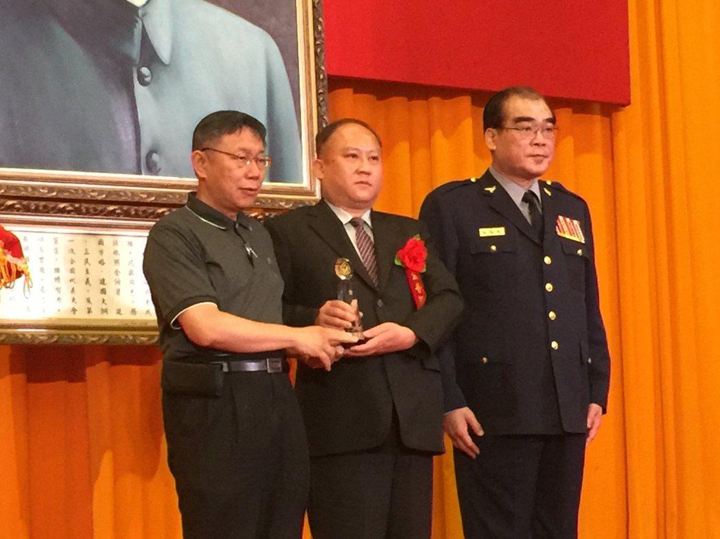 台北市萬華分局小隊長黃皇翔獲選第25屆預防犯罪類金吾獎。記者許家瑜/攝影