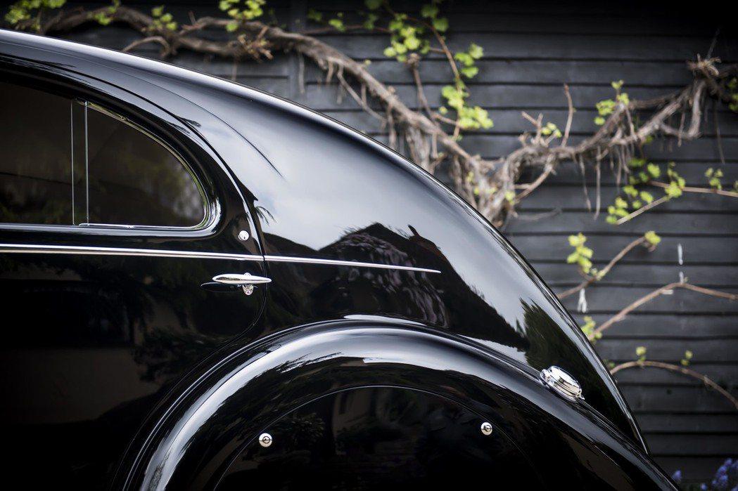 後掠車尾設計,令車輛行走時更暢順。圖/Rolls-Royce提供