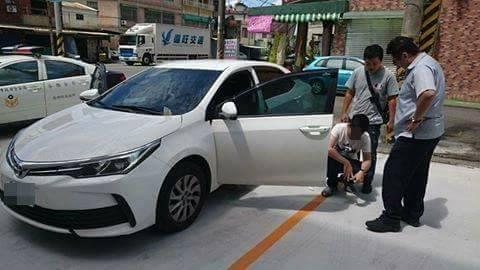 陳嫌前天找人「修理」疑似欠錢的潘男,遭警方逮補。記者蕭雅娟╱翻攝