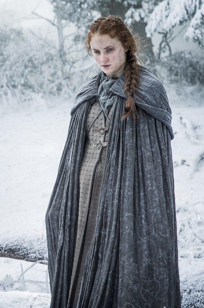蘇菲透納在「冰與火之歌:權力遊戲」飾演從柔弱變堅強的珊莎史塔克。圖/摘自imdb