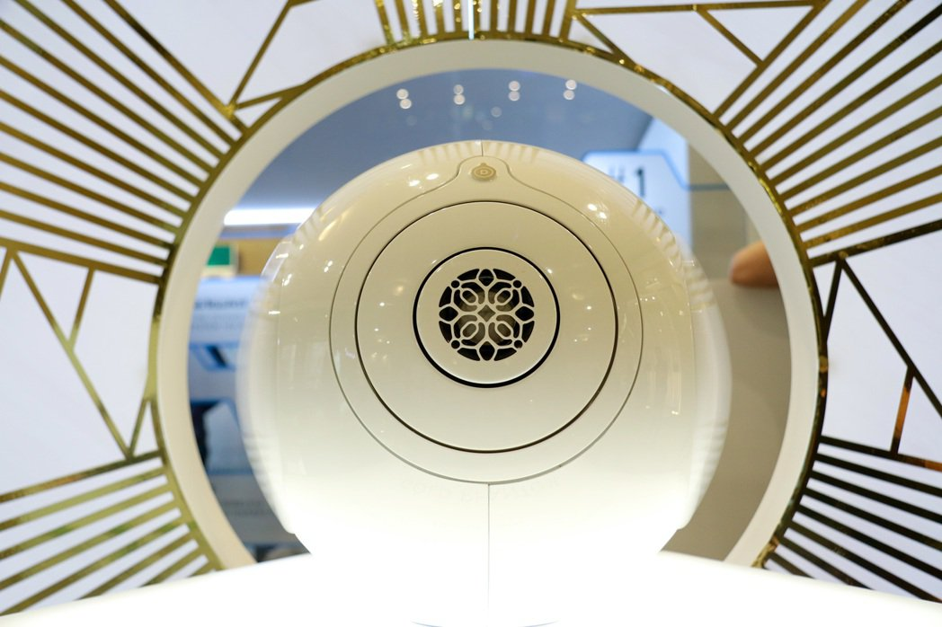 GOLD PHANTOM自詡有全世界最好的聲音,造型也相當前衛。記者史榮恩/攝影