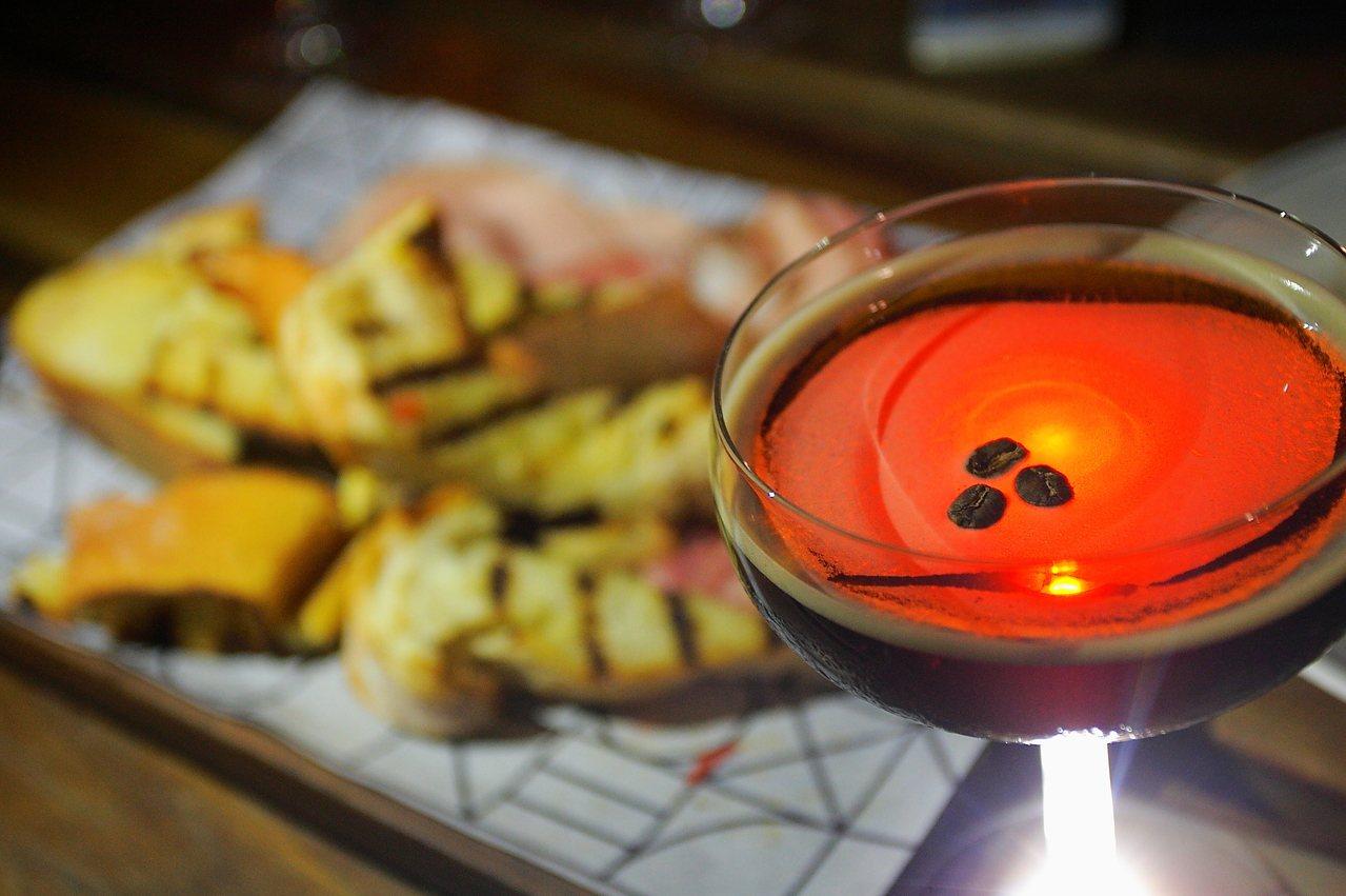 Arbory提供許多餐點與酒精飲料。記者陳睿中/攝影 ※ 提醒您:禁止酒駕 飲...