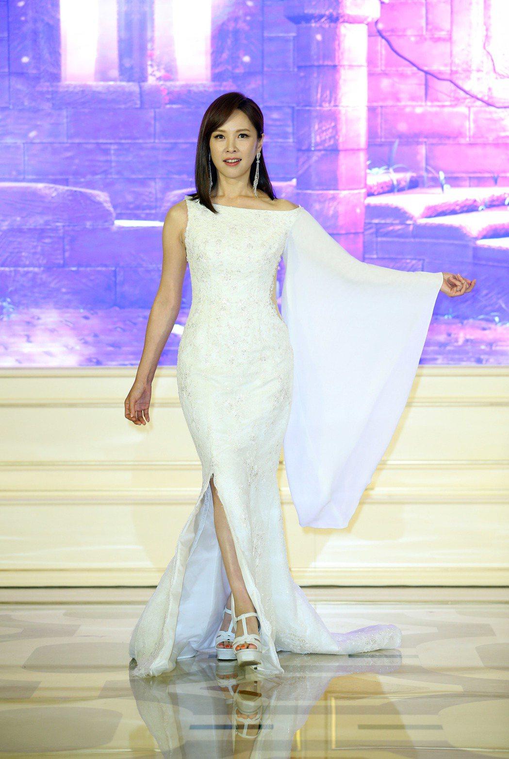 天心為薇妮高級定製服時尚走秀。記者陳瑞源/攝影