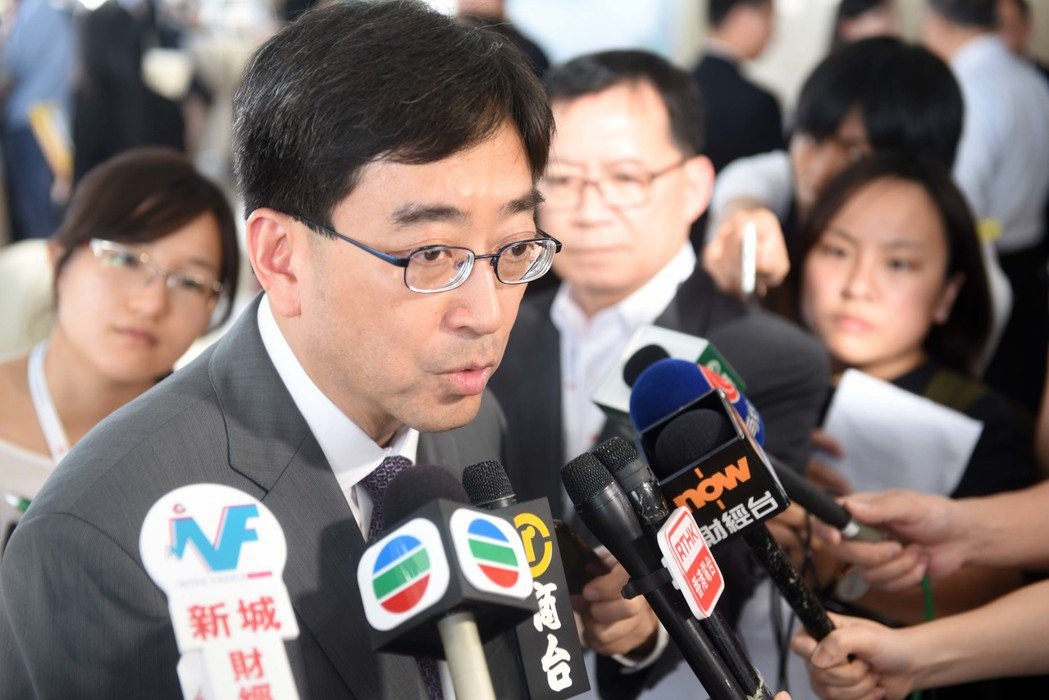 食物及衛生局局長高永文決定不續任。(中通社資料照片)