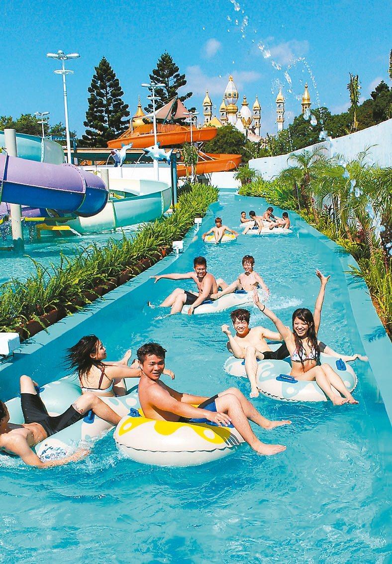 六福村水樂園17日開園,業者推出水陸雙享單日暢遊優惠。