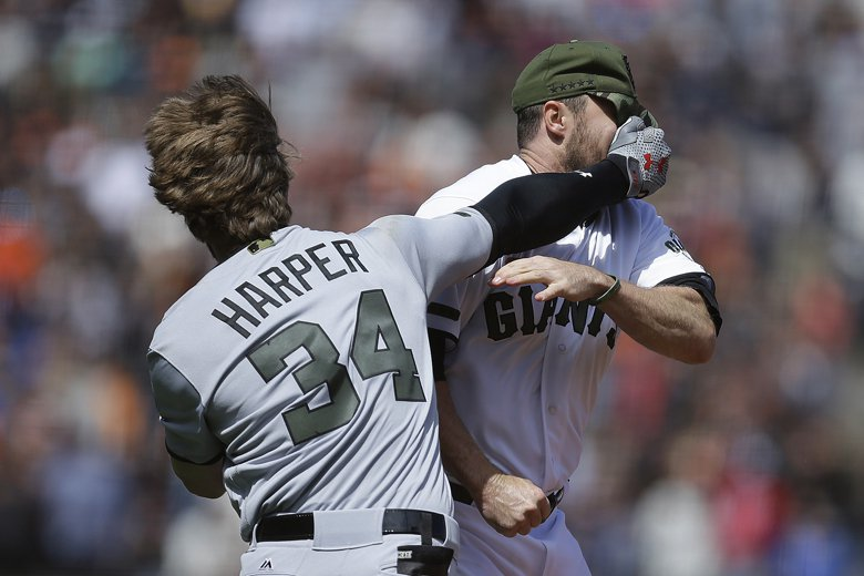法律野球風雲:球場上被砸,球員能不能吉?
