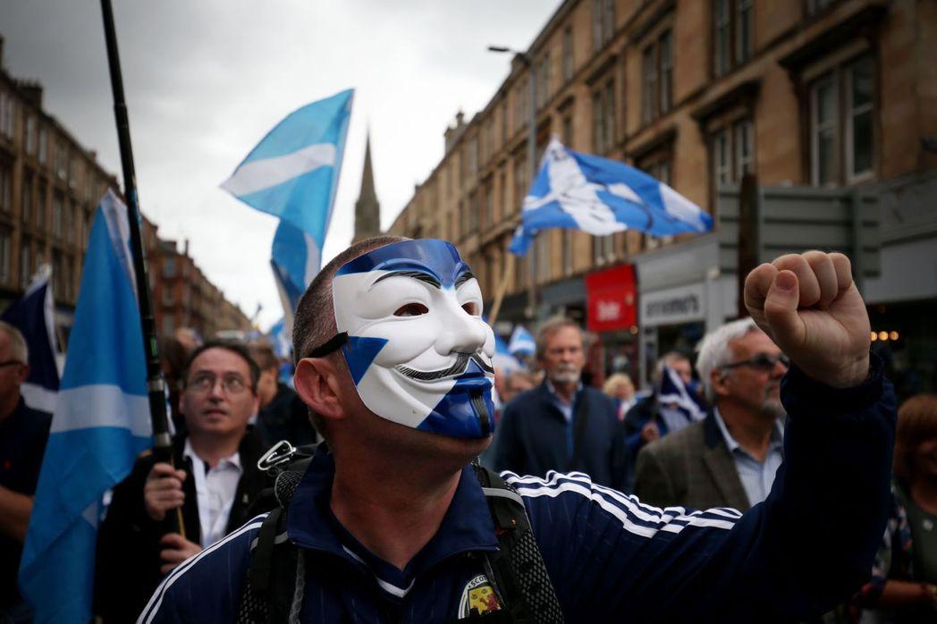 兩年前蘇獨公投失利後,如今蘇格蘭人民無力同時處理脫歐與二次公投的複雜政治議題,S...