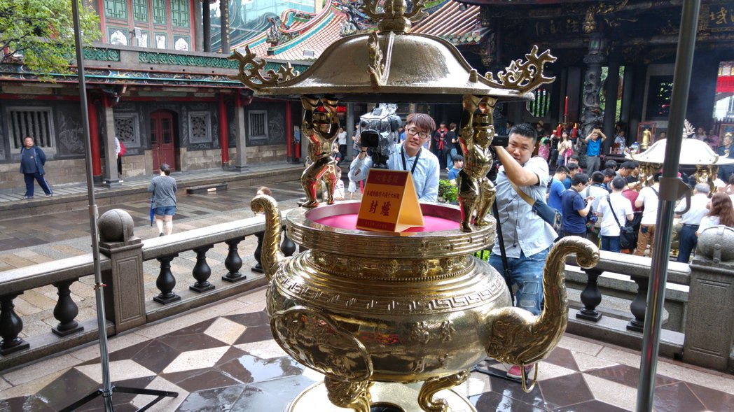 龍山寺只剩1香1爐 香業抗議:不符比例原則