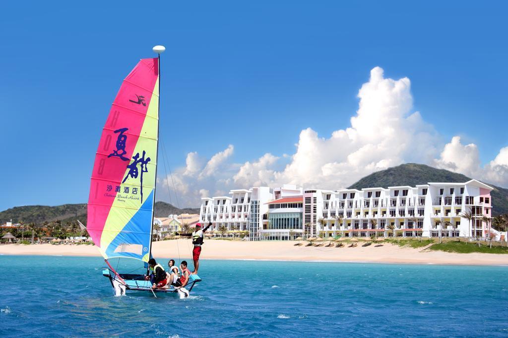 「墾丁夏都沙灘酒店」推開一樓客房的落地窗,眼前即是廣闊海景。 圖/Booking...