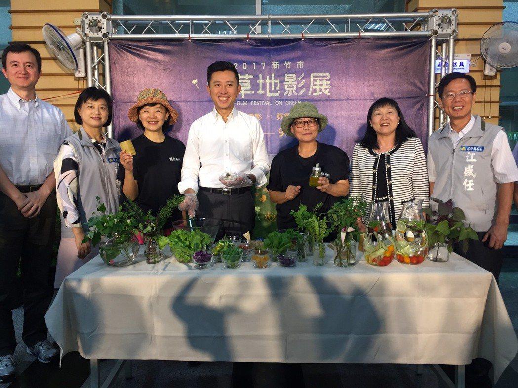 新竹市辦「青草地影展」開跑。記者郭宣&#24419/攝影