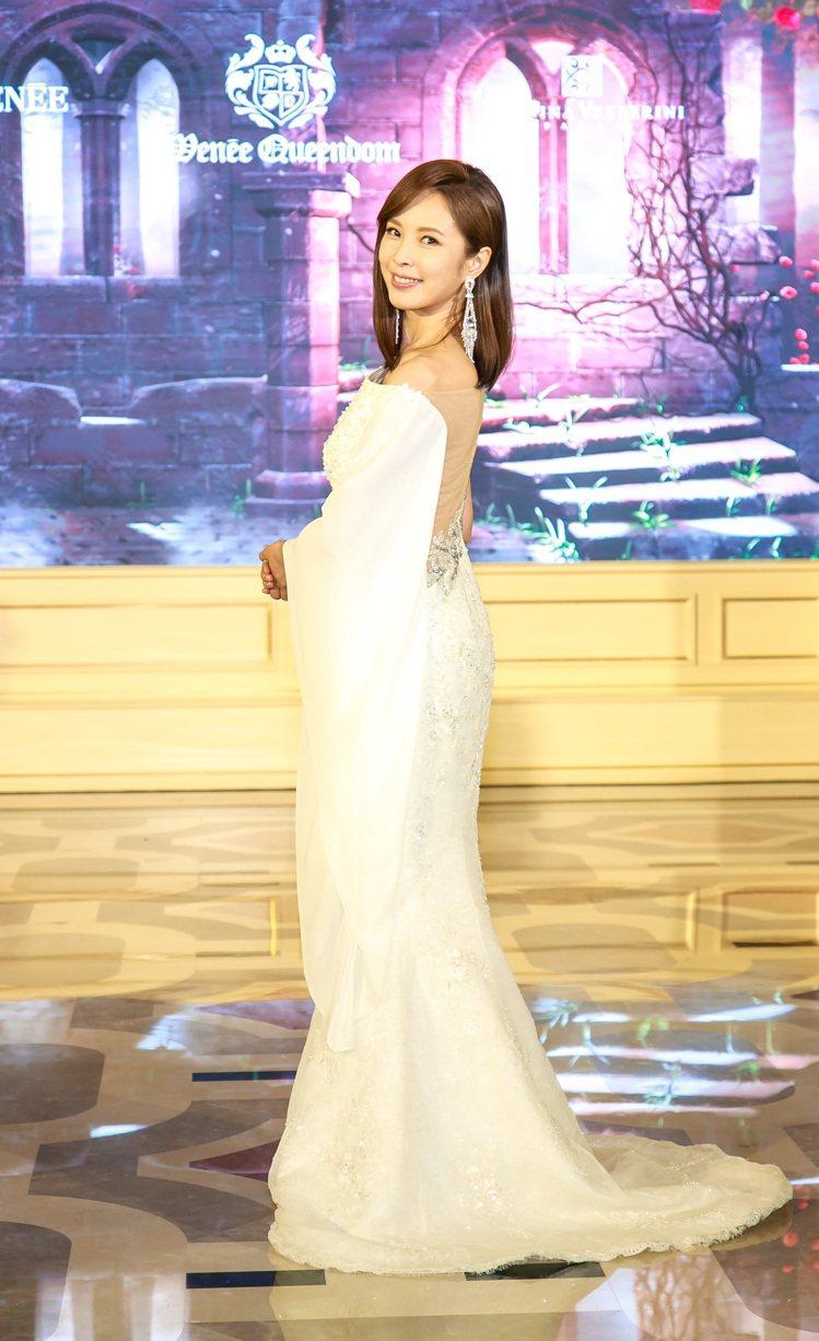天心穿著華麗優雅的女神系列高級定製禮服。圖/薇妮提供