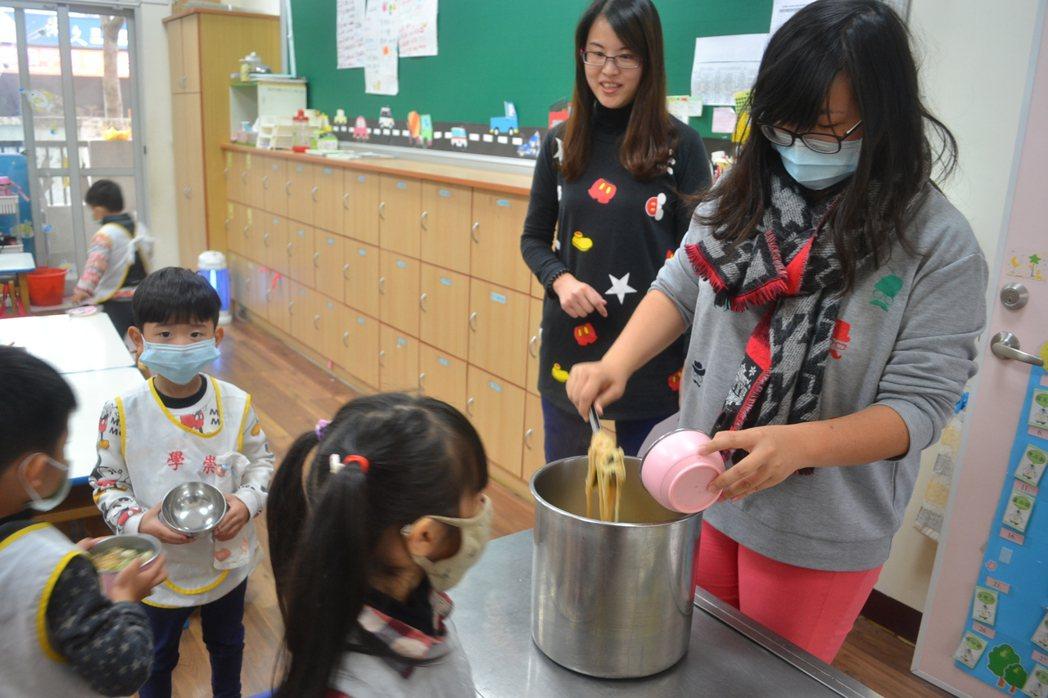 台南市公幼教師甄選已停辦3年,今年恢復,且人數多,吸引近千人報名。圖/報系資料照