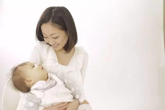 越來越多大陸民眾重視母乳餵養。 圖/摘自騰訊網