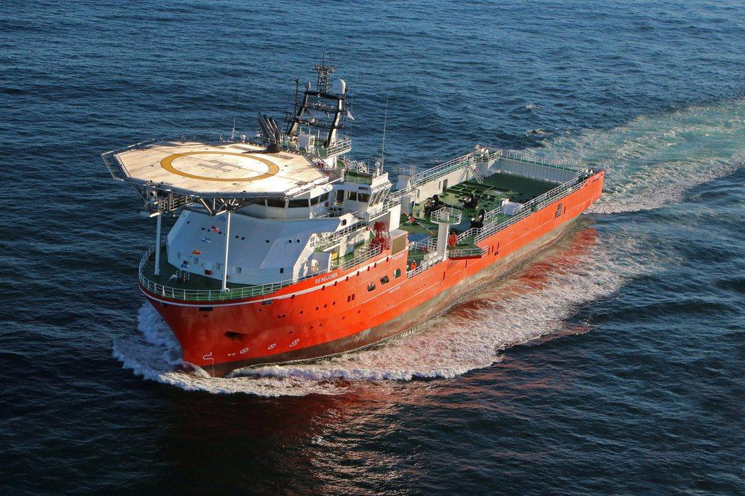 全球最大鑽石探勘船SS Nujoma下水。(路透)