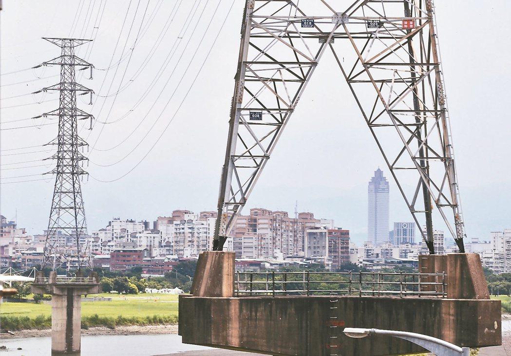 梅雨季全台降溫,國內六月供電可望過關,但七月供電卻仍不樂觀。 (聯合報系資料庫)