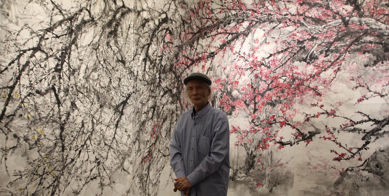 大陸畫家蔡瑜創作的18公尺長幅巨作《梅關精靈秀》。圖/台中市港區藝術中心提供
