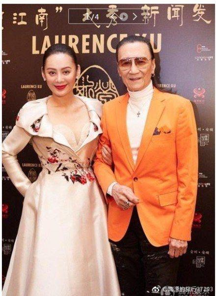 謝賢被記者追問怎麼看兒子謝霆鋒與王菲戀情。左為女星寧靜。圖/取自微博