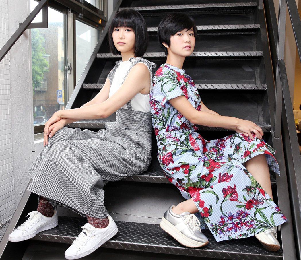 「花甲男孩轉大人」演員江宜蓉(左)、嚴正嵐(右)。記者侯永全/攝影