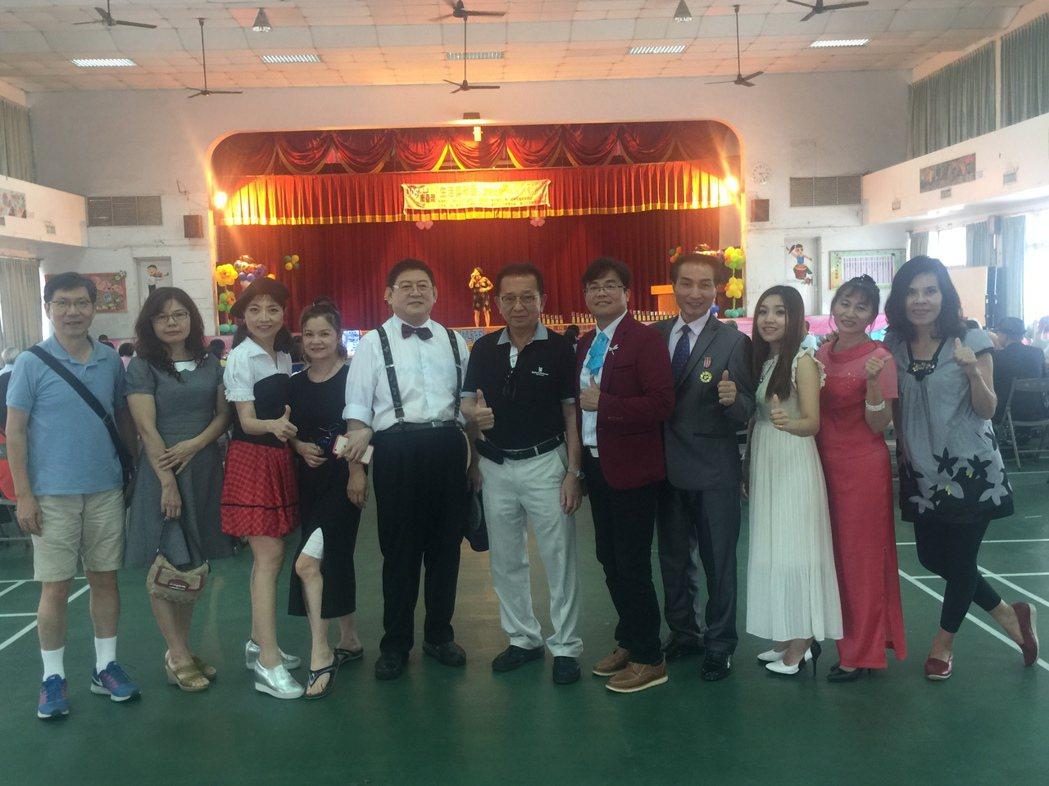 蘇中民音樂老師的鳴馨音樂坊,是南台灣生活美學盃B區歌唱比賽大贏家。記者吳政修/攝...