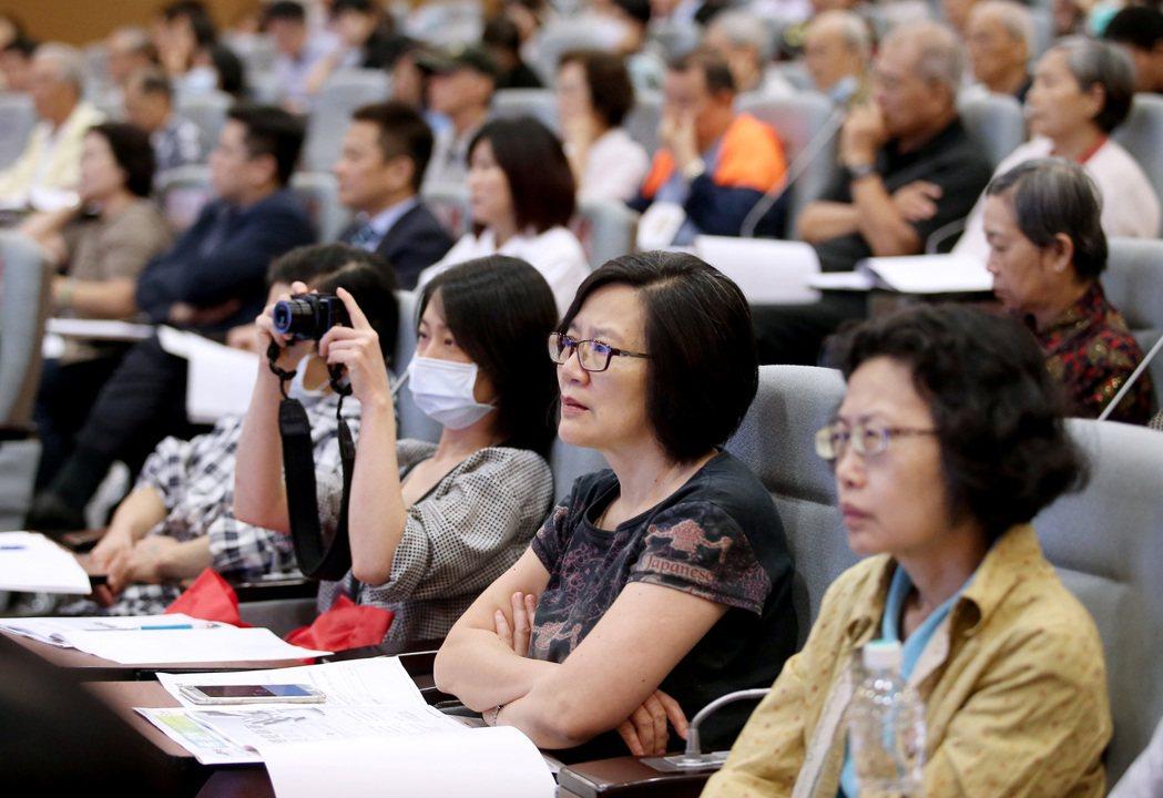 聯合報健康事業部與癌症希望基金會、台灣諾華舉辦「2017癌症新藥可近性論壇」,吸...