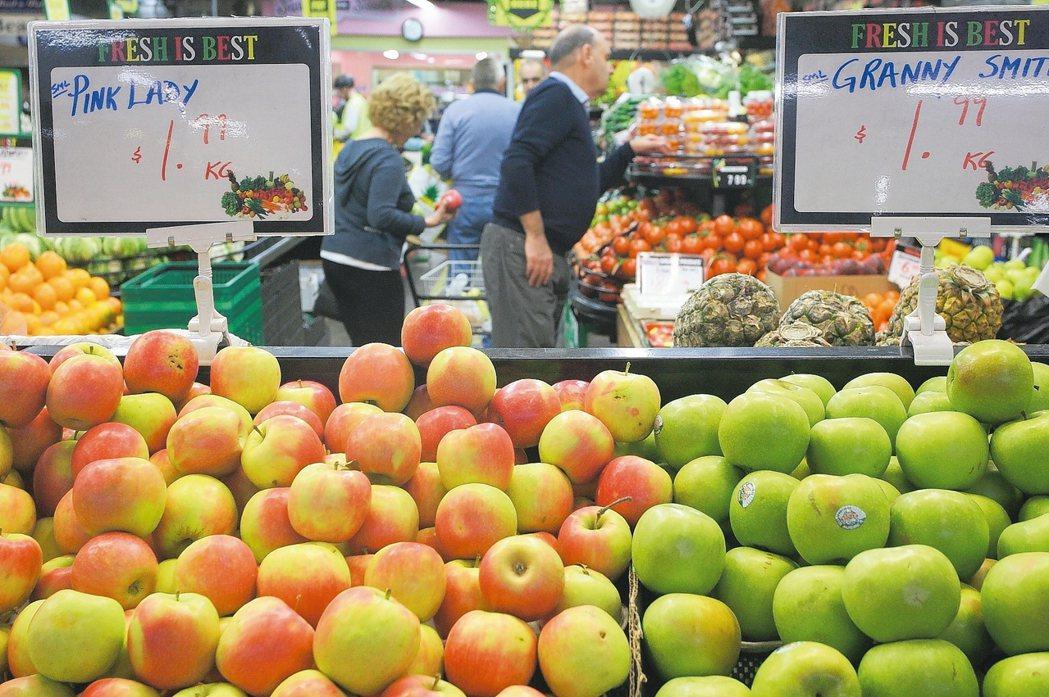 走進已有150年的南墨爾本市場,能夠買到各式在地食材。 記者陳睿中/攝影