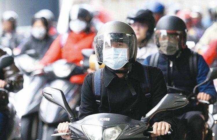 在台灣的保險市場裡,永遠都是儲蓄險賣得比純保障商品好;車體碰撞加竊盜險,永遠賣得...